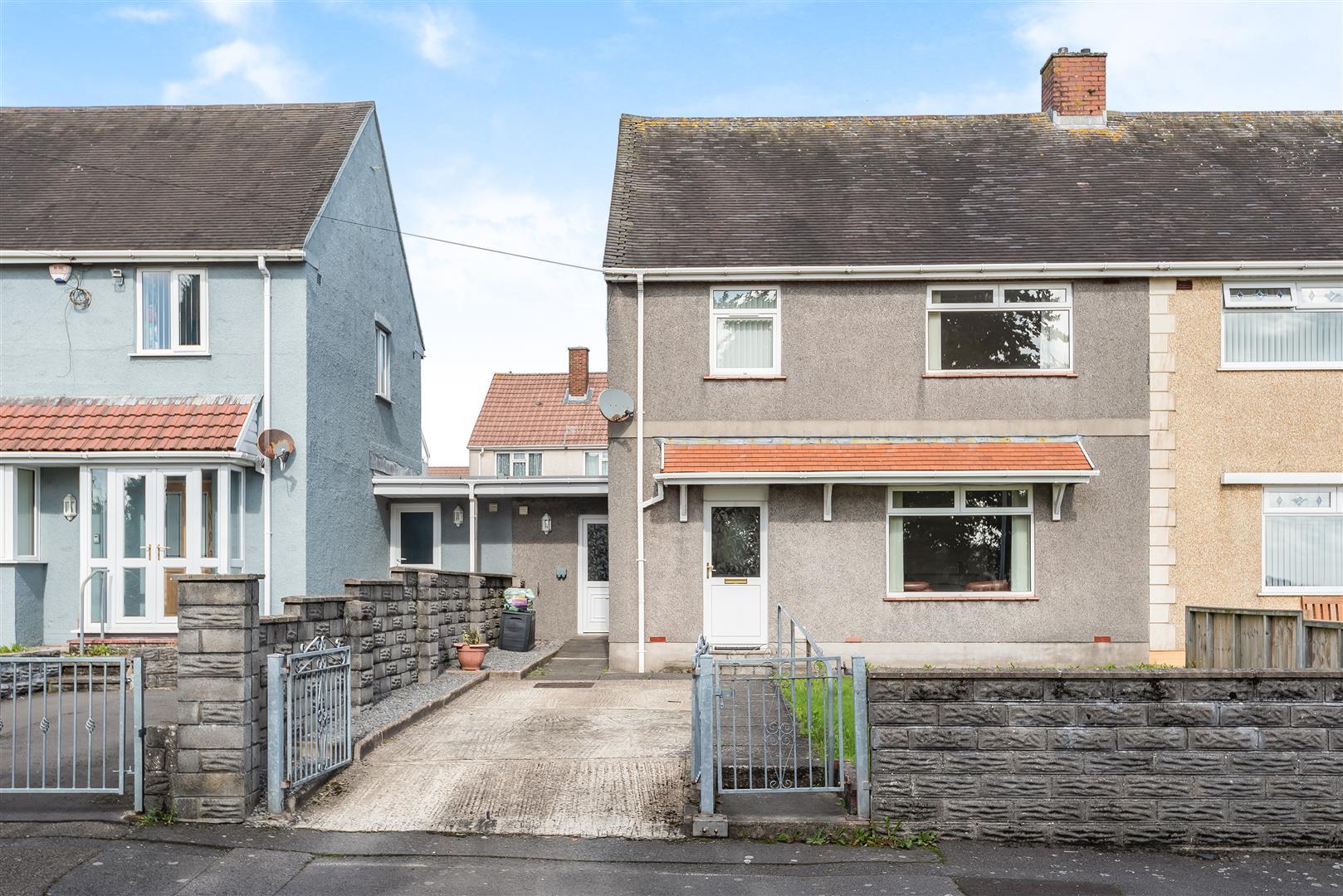 Clwyd Road, Penlan, Swansea, SA5 7EZ